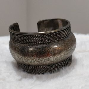(3/$15) Vintage 90s NWT wide band Brass Bangle